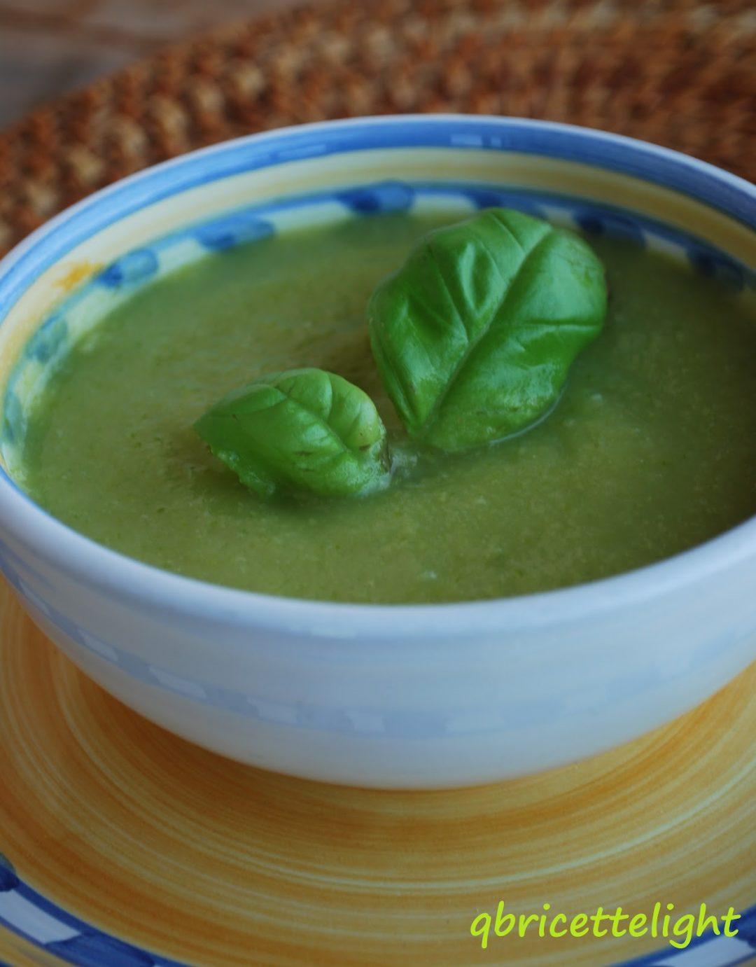 crema fredda di zucchine e basilico