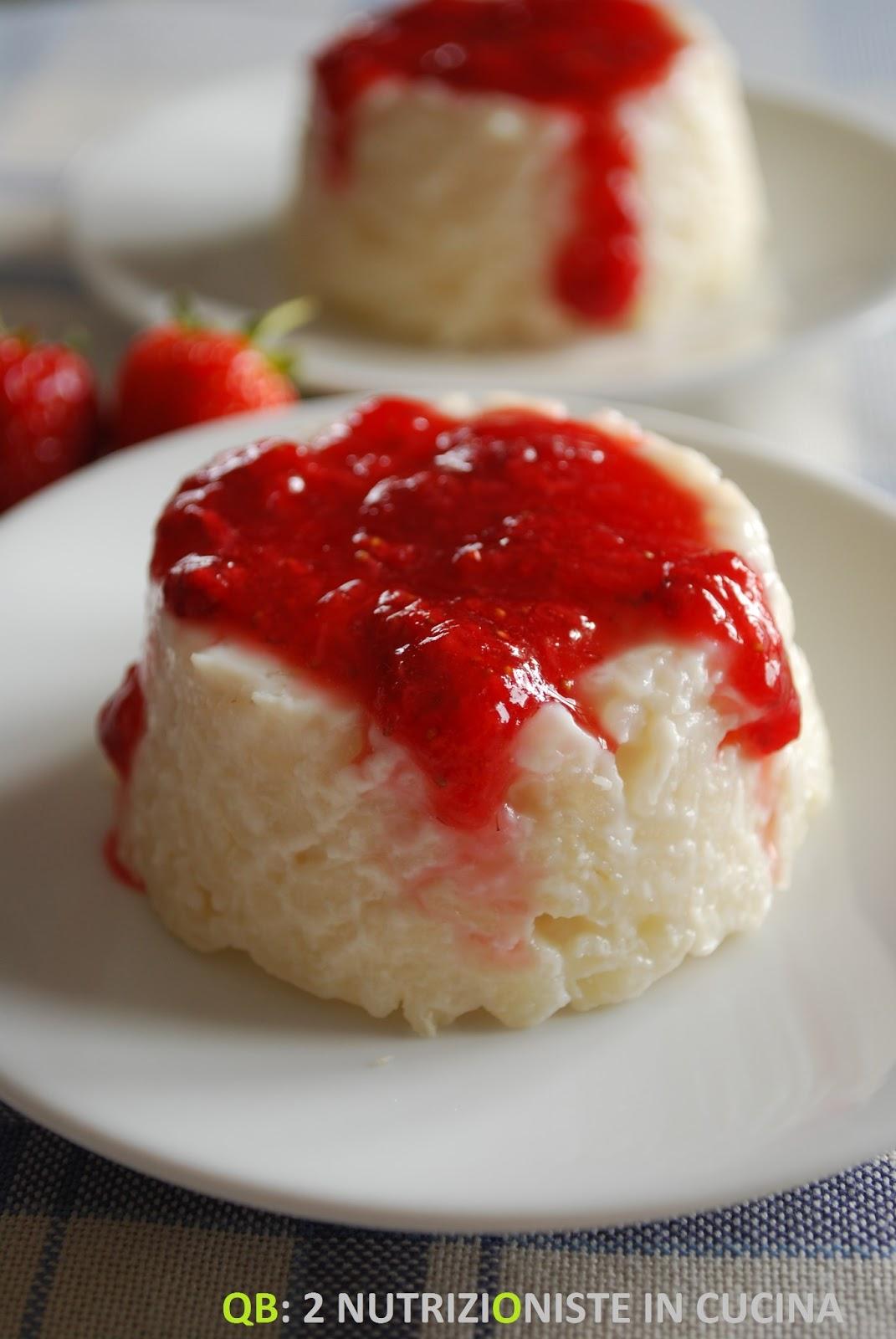 Budino di riso con coulis di fragole