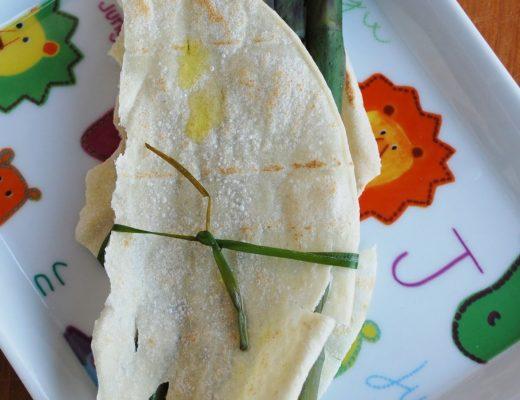 Bruschetta di pane carasau e asparagi
