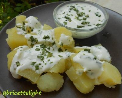 Insalata di patate light con yogurt ed erba cipollina