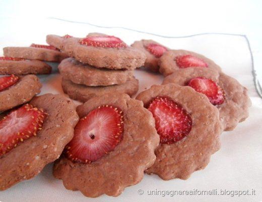 biscotti al cioccolato e fragole super leggeri