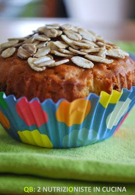 Cupcakes ai fiocchi d'avena, yogurt e albicocche secche