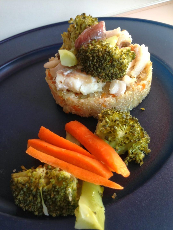 castello di quinoa con merluzzo e broccoli