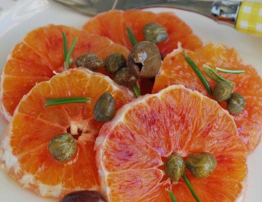 Insalata di arance rosse al profumo di rosmarino