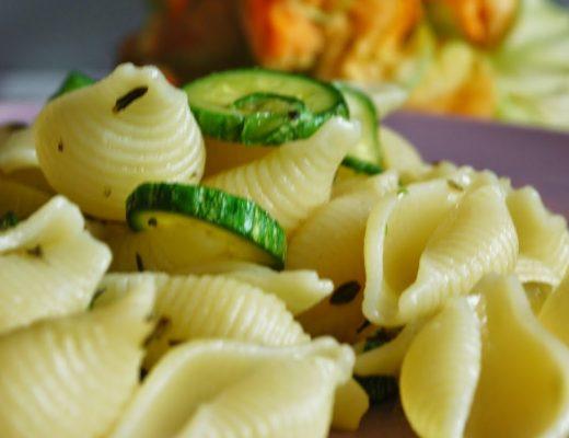 Conchiglie alle zucchine e timo