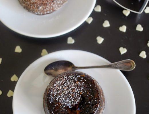 Scrigno di cacao con cioccolatino ripieno di caffè