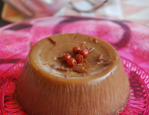 Budino al cioccolato e al pepe rosa