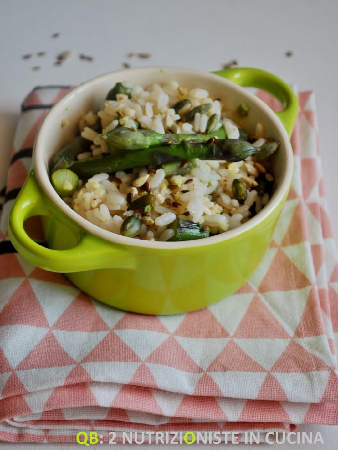 Riso, grano saraceno e miglio con asparagi