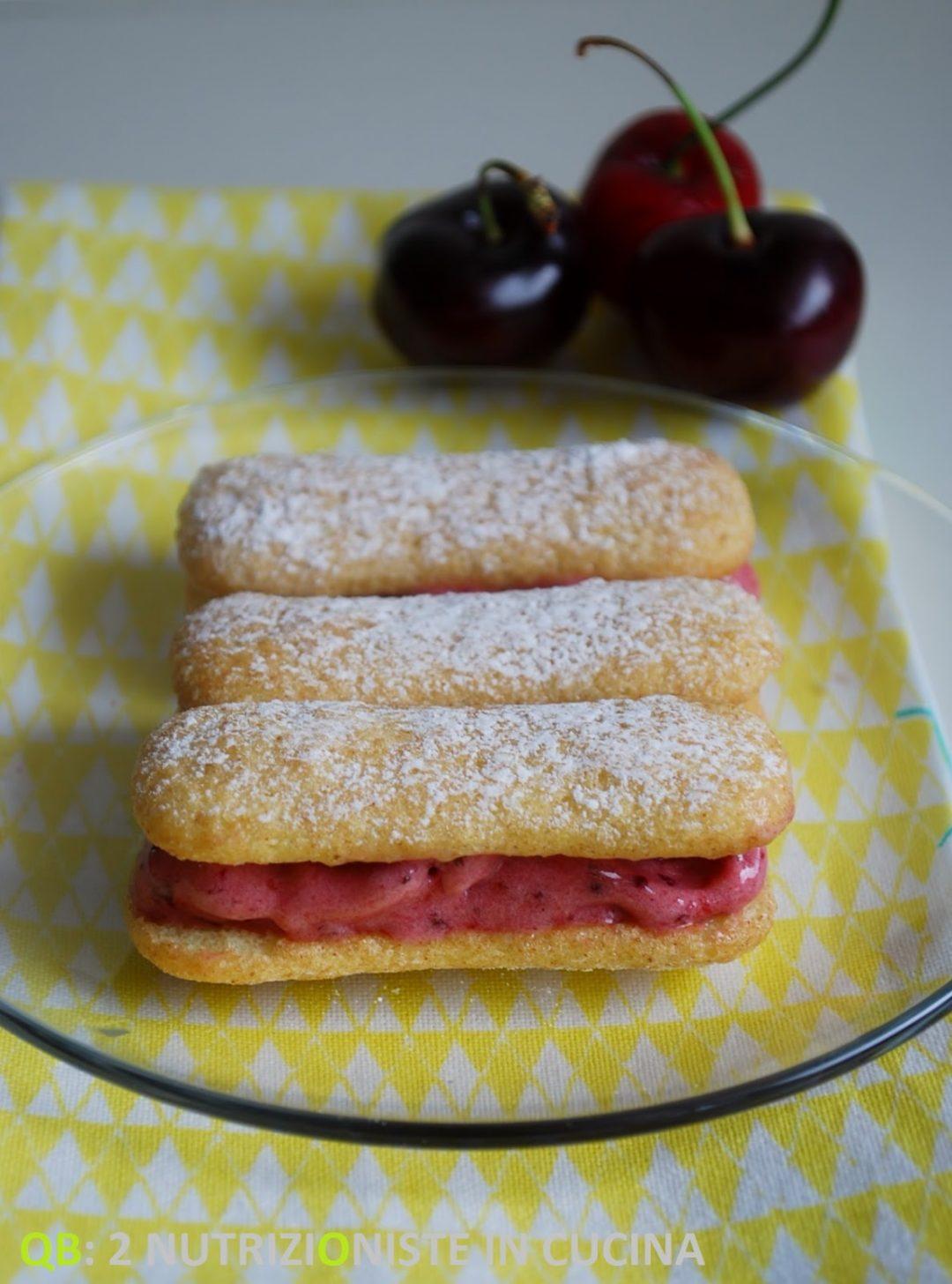 Sandwiches di gelato alle ciliegie