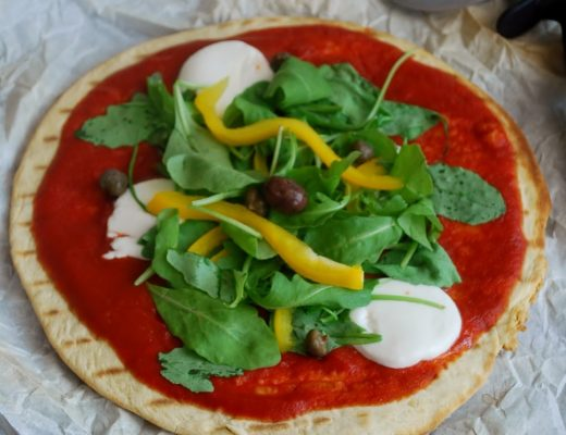 Piadina o pizza Piadi-pizza di farro alle verdure