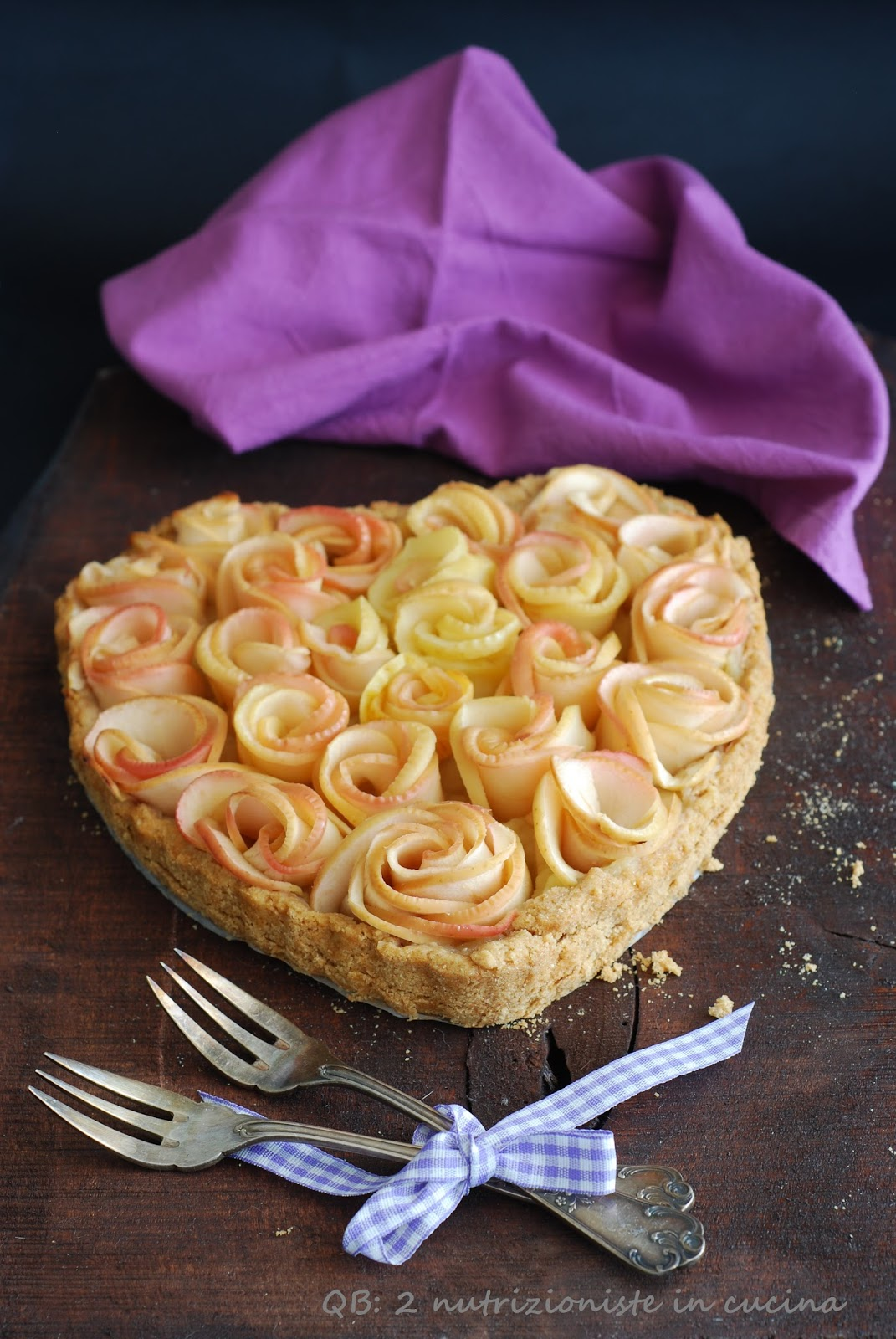 Crostata di rose di mele