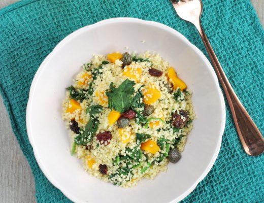 Il cavolo kale noto per le sue proprietà nutritive benefiche in una ricetta proposta da qb ricette