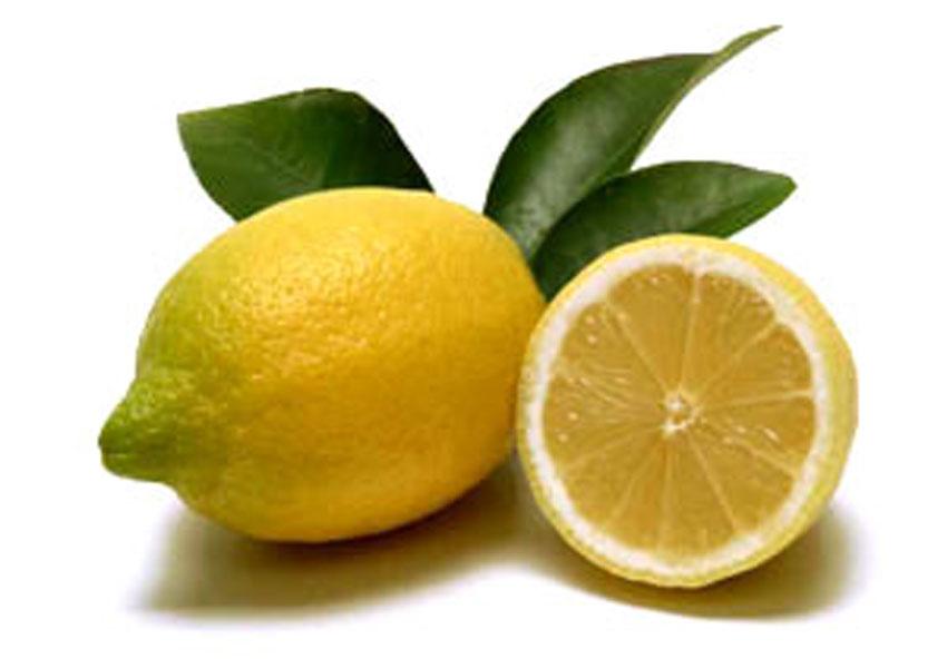 Bevanda disintossicante e drenante al limone e sciroppo d'acero