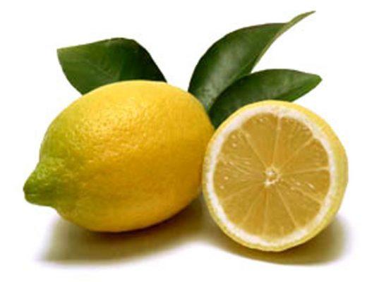 Bevanda detox al limone e sciroppo d'acero