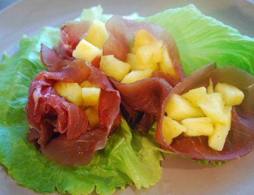 fagottini di bresaola e ananas